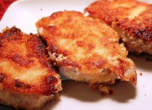 Pork chops with mustard and bread crumbs