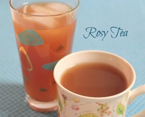 Te with orange and cranberry juice - A Pinch of Joy