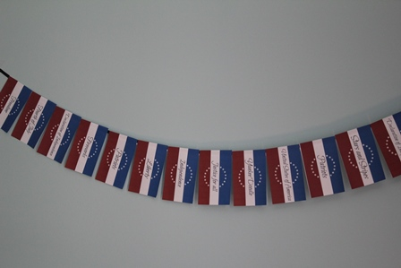 Patriotic Free printable Americana Banner -- A Pinch of Joy